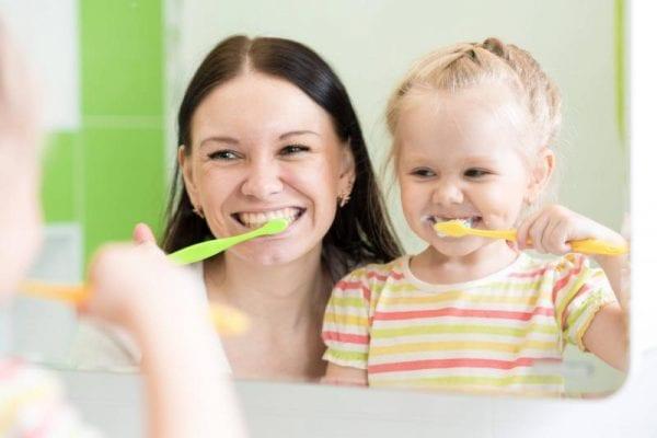 Sebeș - Campanie de informare privind sănătatea orală în unitățile de învățământ din municipiu