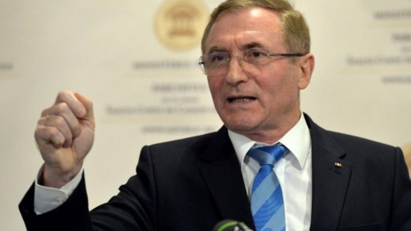Curtea de Apel Alba Iulia a amânat procesul în care procurorul general, Augustin Lazăr solicită suspendarea procedurii de revocare din funcţie