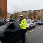 Ocna Mureș - Bărbat cercetat penal după ce l-a lăsat pe fiul său minor și fără permis de conducere să îi conducă mașina