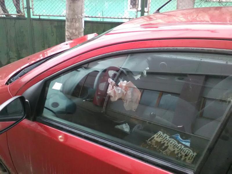 Micești – Un șofer grăbit a intrat cu mașină într-un stâlp de susținere a rețelei de energie electrică