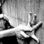 Cîmpeni - Bărbat cercetat penal după și-a agresat concubina și pe mama acesteia