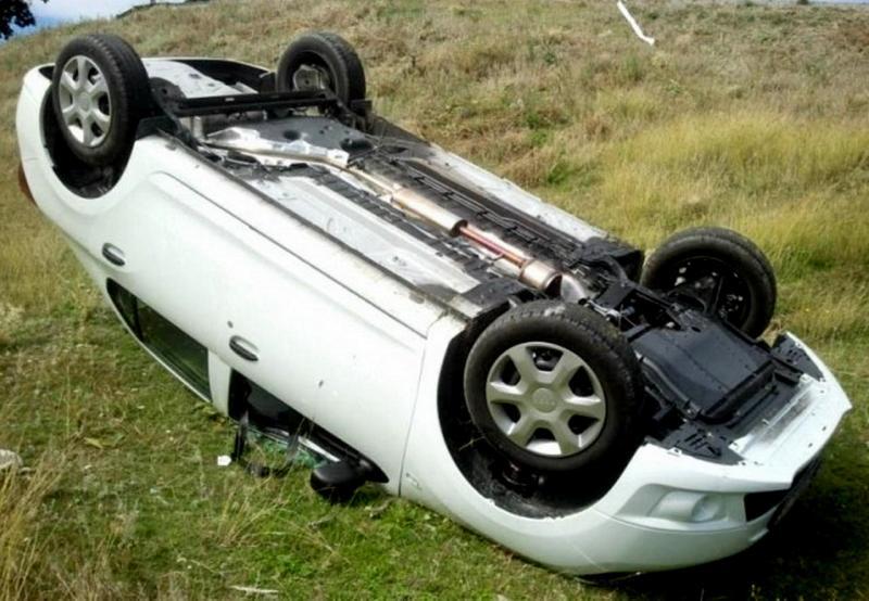 Cricău – Un șofer beat s-a răsturnat cu mașina pe DJ 107 H