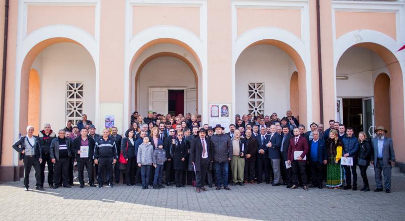 Primul congres al Partidului Phralipe al Romilor (PPR) a avut loc la Alba Iulia