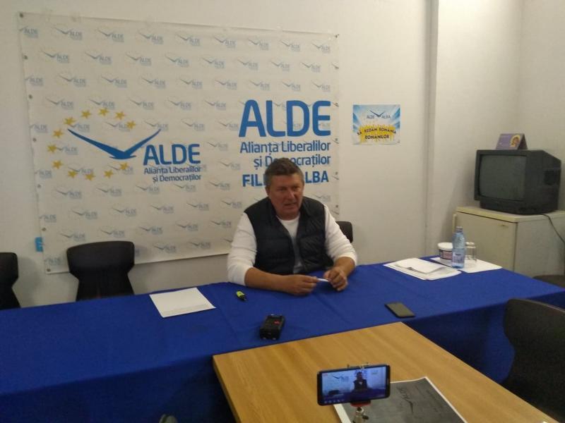 """Ioan Lazăr, președinte ALDE Alba: """"Președintele Iohannis vrea să organizeze referendum pe justiție, dar nu știe întrebarea!?!"""