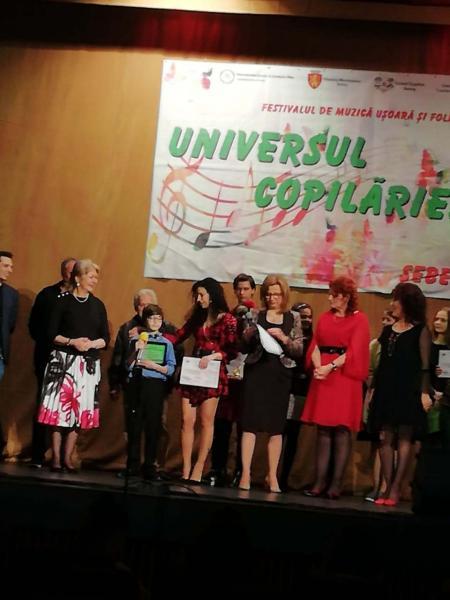 """Sebeș – A V-a ediție a festivalului de muzică ușoară și folk """"Universul copilăriei"""" și-a desemnat câștigătorii"""