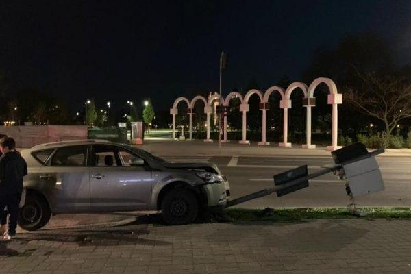 Alba Iulia: I s-a făcut rău la volan și a făcut accident.