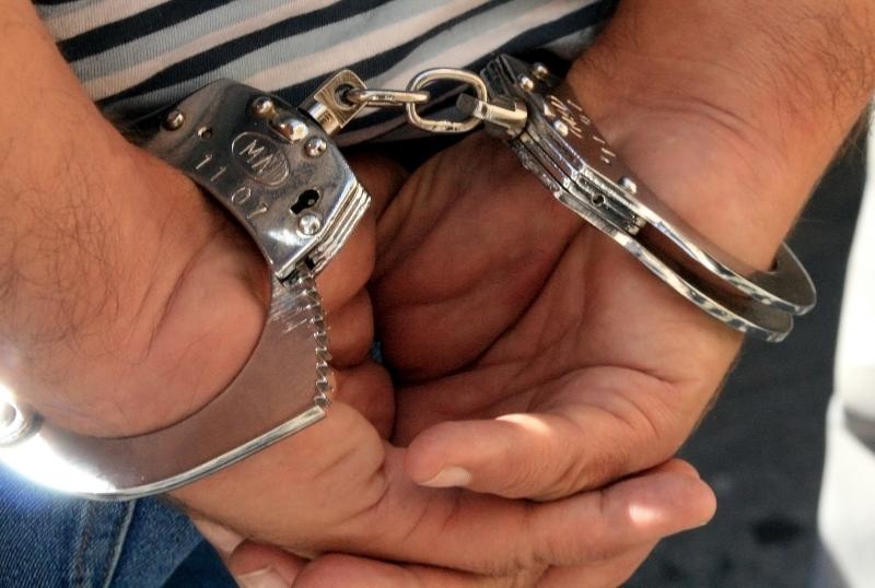 Cîmpeni – Un bărbat din Brad a fost reținut 24 de ore de polițiști după ce a tâlhărit o bătrână în casa ei