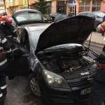 Blaj - Un autoturism a fost cuprins de flăcări pe strada Timotei Cipariu din localitate