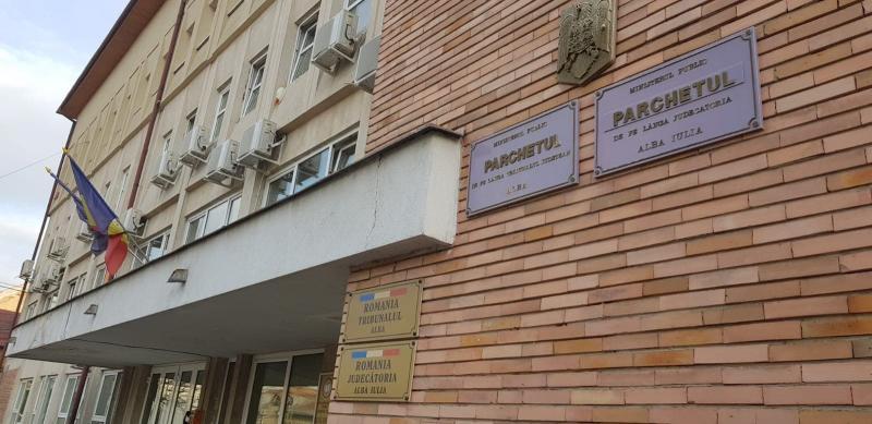 Profesoara de la școala gimnazială din Săliștea, acuzată că ar fi făcut sex cu un elev de 14 ani, a fost trimisă în judecată