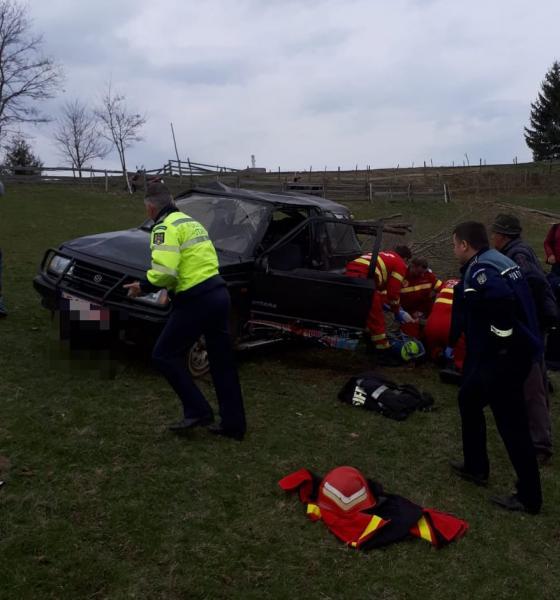 O mașină s-a răsturnat în satul Certege. Accidentul s-a soldat cu o victimă (foto)