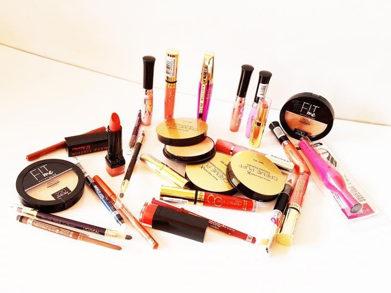 Care sunt cele mai importante produse cosmetice  de la ImportDirect pe care ar trebui sa le ai mereu in geanta?
