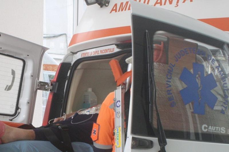Aiud – O femeie în vârstă de 70 de ani a fost lovită de o mașină când traversa strada printr-un loc nepermis
