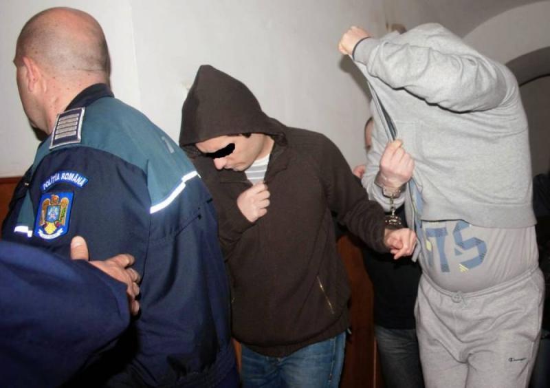 Săliștea Deal – Doi bărbați au fost reținuți 24 de ore după ce au lovit un consătean cu pumnii și picioarele