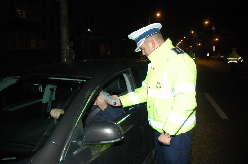 Ocna Mureș – Dosar penal pentru un tânăr prins la volan de polițiștii rutieri fără permis de conducere și sub influența băuturilor alcoolice