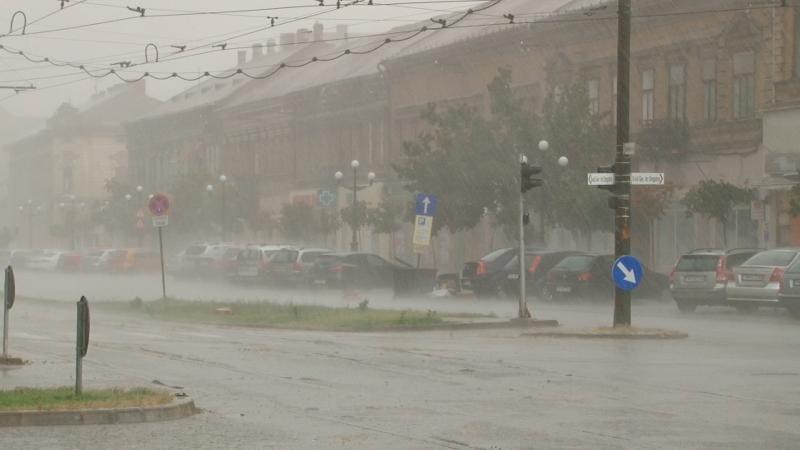 ANM – Informare de ploi însemnate cantitativ și pericol de inundații în județul Alba