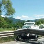 Un tânăr fără permis de conducere a intrat cu mașina într-un parapet metalic de pe  DJ 107 E Aiud – Ciumbrud