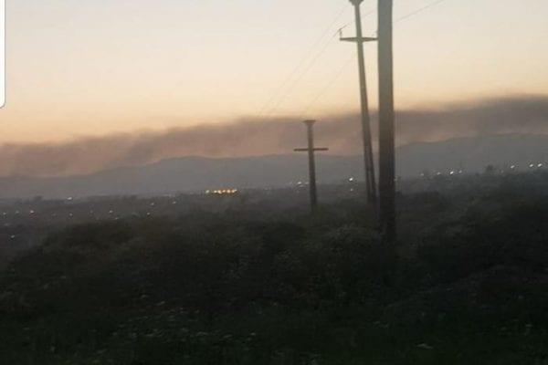 Nu funcționează stația de  verificare a calității aerului din Sebeș, zona Kronospan? Fum gros peste Sebeș în urma unui incendiu! Stația de verificare a calității aerului a indicat valori foarte bune!?! (foto)