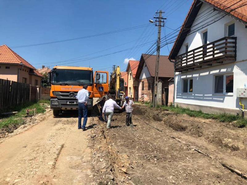 Lucrări de reabilitare a străzii Unirii din Petrești