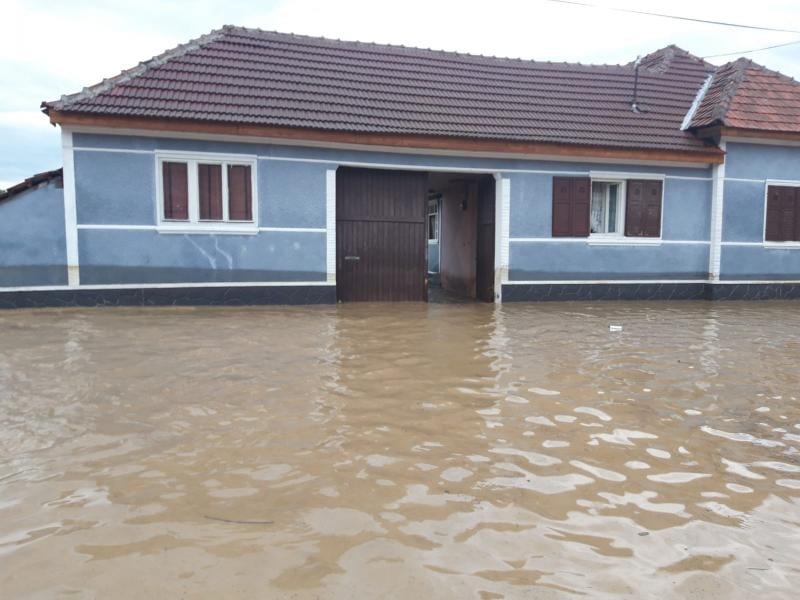Guvernul a decis sprijinirea financiară a populației afectate de inundațiile care au avut loc recent în țara noastră