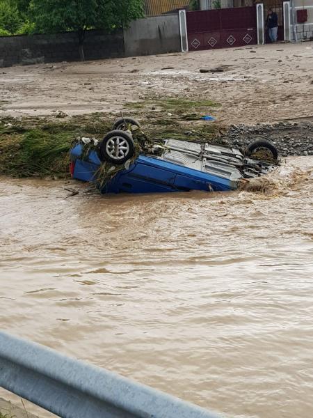 Imaginile dezastrului făcut de inundații în satul Săliștea