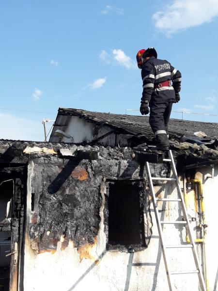 Berghin – Pagube importante înregistrate în urma unui incendiu izbucnit la un siloz de cereale (foto)