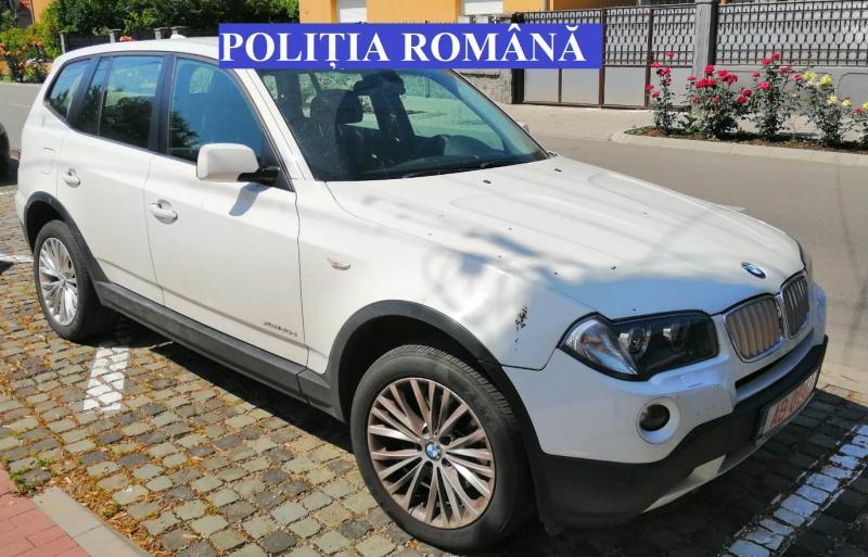 Un autoturism de lux, dat în urmărire de autorităţile italiene a fost identificat la Sebeș (foto)