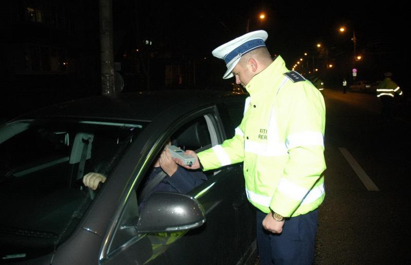 Alba Iulia – Dosar penal pentru un șofer din Abrud depistat în stare de ebrietate la volan de polițiștii rutieri