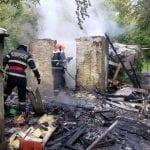 Blaj - O baracă a luat foc pe strada Arinilor din municipiu