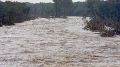 INHGA a emis o avertizare Cod Galben de inundații pentru bazinele râurilor Ampoi și Sebeș