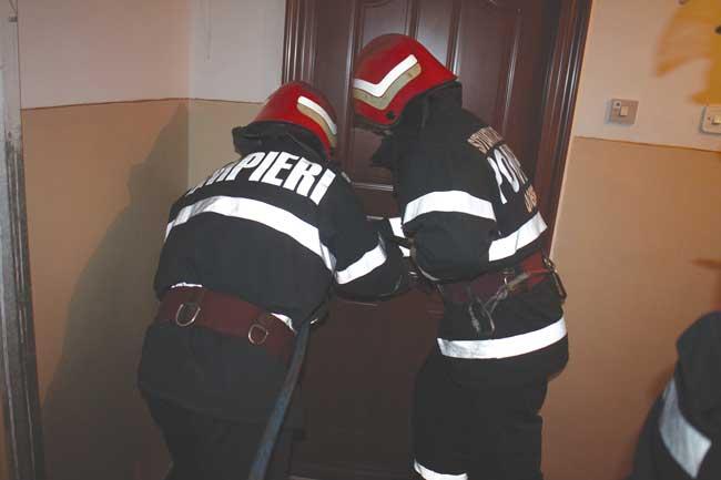 Alba Iulia – Bărbat găsit decedat în apartamentul său de pompieri