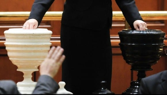 Moțiunea de cenzură nu a trecut! Guvernul condus de Viorica Dăncilă rămâne în funcție
