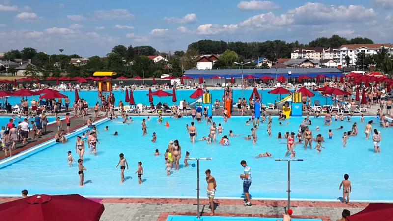 Întâlniri de lucru cu administratori de piscine, unități de cazare și primari, la sediul DSP Alba și Primăria Câmpeni