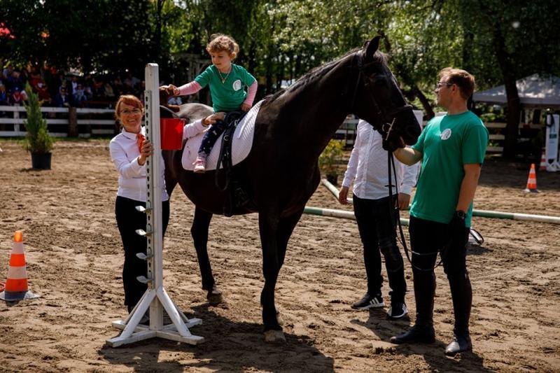 Holzindustrie Schweighofer sprijină recuperarea copiilor cu dizabilități