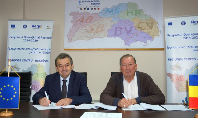 Investiție de 700.000 euro pentru modernizarea școlilor gimnaziale din comuna Stremț