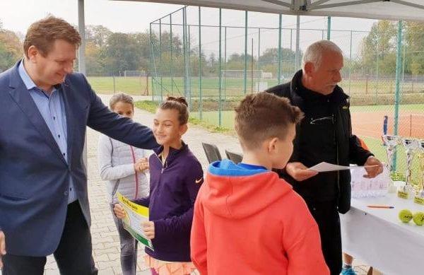 Municipiul Sebeș a depus la Compania Națională de Investiții, proiectele pentru construirea a două baze sportive