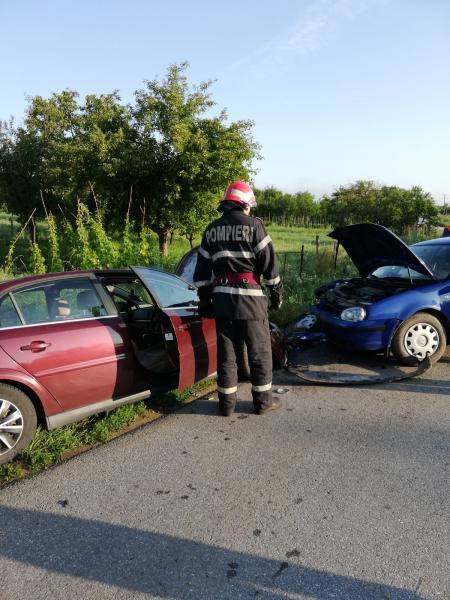 Pianu – Coliziune între două autoturisme soldată cu trei victime (foto)