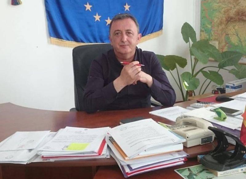 """Marin Ioan Petruse, primarul comunei Pianu: """"Am implementat proiecte europene de ordinul zecilor de milioane de euro"""""""