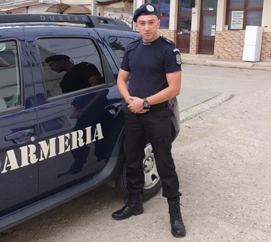 """Un student din cadrul Academiei de Poliție """"Al. I. Cuza"""" București, în practică la Jandarmeria Alba"""