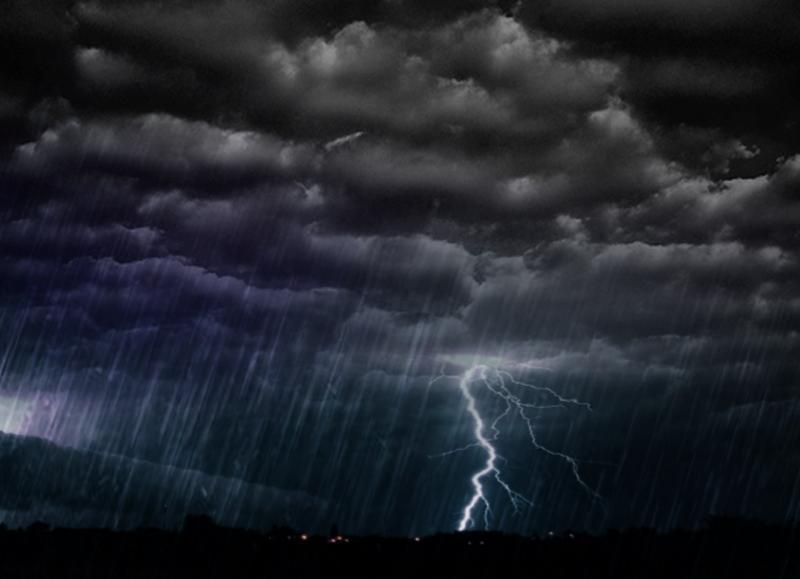 Alertă! Zona de munte a județului Alba, sub avertizare Cod Galben de ploi descărcări electrice, vânt și grindină