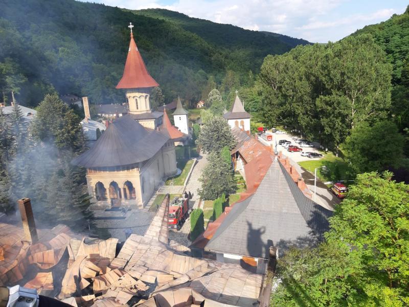 Actualitate – Guvernul României va aloca fonduri pentru refacerea Mănăstirii Râmeț