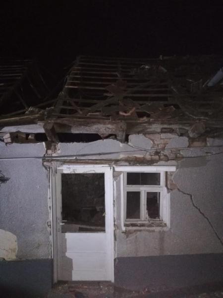 O femeie de 79 ani a fost grav rănită în urma unei explozii care a avut loc la o locuință din comuna Șona (foto)