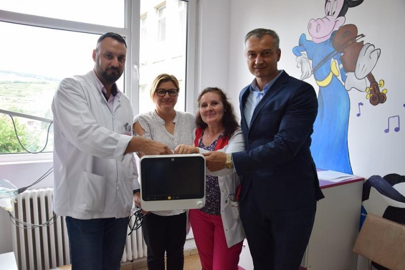 Aparat pentru monitorizarea funcțiilor vitale, donat Spitalului Județean de Urgență Alba Iulia de Camera Executorilor Judecătorești și Asociația S.A.H. 2013