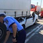 Accident rutier! Un TIR a acroșat un autoturism pe strada Al I.Cuza din Alba Iulia