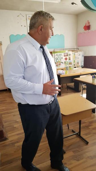 Inspecție a prefectului de Alba la școlile și grădinița din Almașu Mare