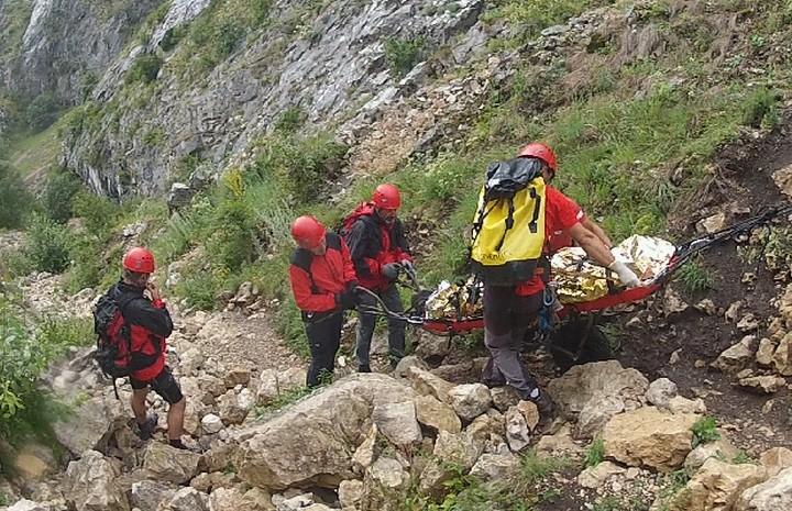 Rimetea – Intervenție de evacuare a unei femei accidentate pe un traseu turistic