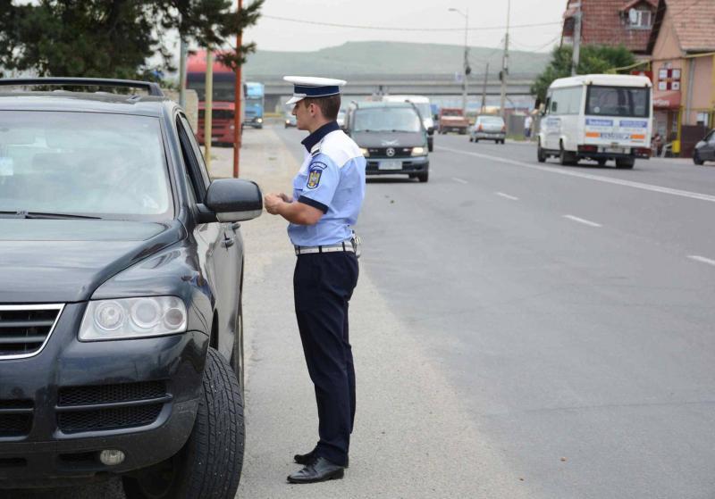 """""""Recoltă"""" bogată de șoferi indisciplinați pentru polițiștii rutieri din Alba"""