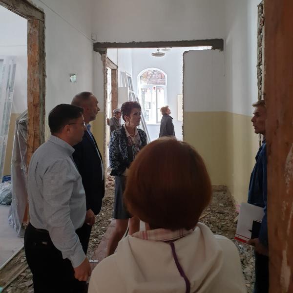 """Primăria Alba Iulia susține modernizarea Liceului de Arte """"Regina Maria"""""""
