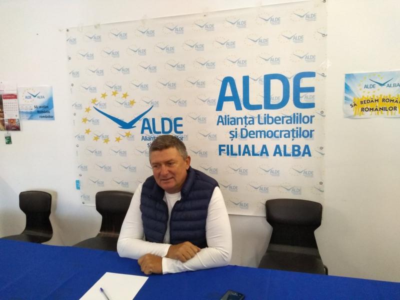 """Ioan Lazăr, președinte ALDE Alba: """"Eu aș vedea PSD Alba ca un măr, cu multe mere roșii, și în vârf cu un măr mare, dar plin de viermi"""""""