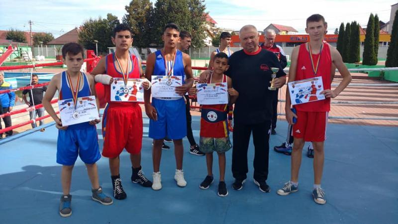 """Boxerii CS Unirea Alba Iulia au obținut cinci medalii la concursul """"Centura Păltiniș"""""""