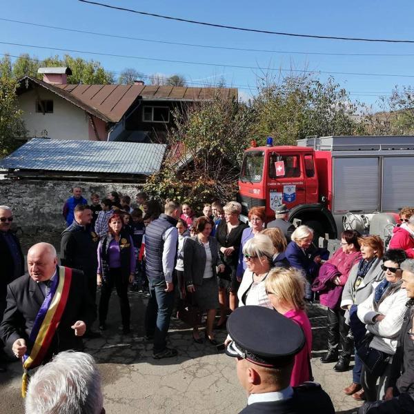 Serviciul Voluntar pentru Situaţii de Urgenţă Abrud a primit două autospeciale pentru intervenții